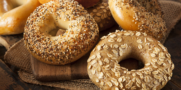 Bagels vs. English Muffins: Calories, Nutrition & 5 Recipes