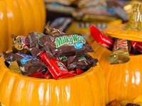 Food Fight! Which Halloween Candy is Healthier?