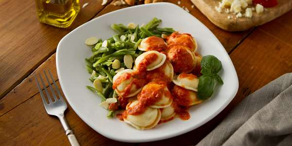 Recipe: Four Cheese Tomato Sauce with Cheese Ravioli