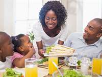 Tips to Make Weeknight Family Dinner Simple