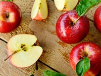15 Delicious Health Benefits of Eating Apples