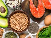The Benefits of Healthy Fats and the 10 Best Sources