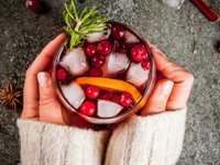 Your Guide to 10 Cozy (& Healthier) Winter Cocktail Recipes
