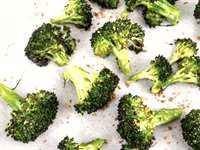 Delicious & Easy Roasted Broccoli